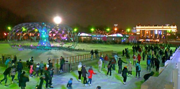 «Ночь на катке» в парках Москвы: вся бесплатная программа